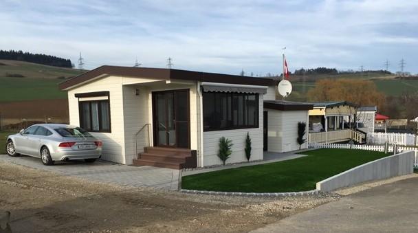 Kundenmobilheim 4,00 x 10,30 zzgl. Wintergarten 2,60 x 5,20 m und Schuppen 1,90 x 2,50 m