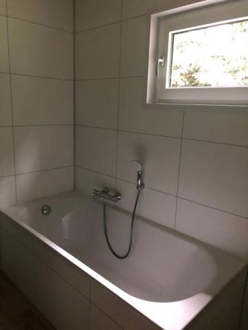 Kundenmobilheim 7,80 x 10,70 Badezimmer Badewanne
